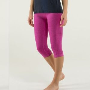 EUC, Lululemon Heathered Pink In The Flow Crops